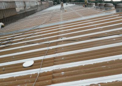 Telhado processo de impermeabilização