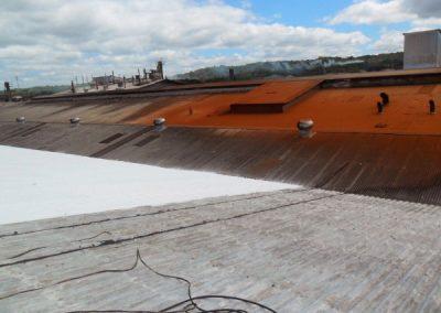 inicio da impermeabilização de telhados industriais