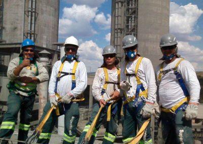 equipe de impermeabilização e restauração de telhados